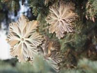 Делаем новогодние снежинки своими руками: простая инструкция, как вырезать красивы и эксклюзивные снежинки (100 фото)