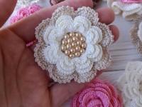 Как связать цветок крючком: инструкция для начинающих пошагово, простые вязальные схемы, фото-обзоры готовых изделий